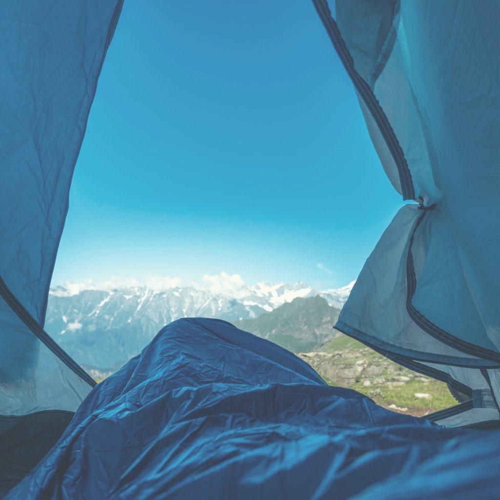 blue-bolt-solo-quilt-inside-tent